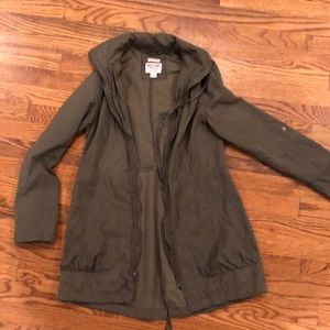 Water resistant utility jacket size small